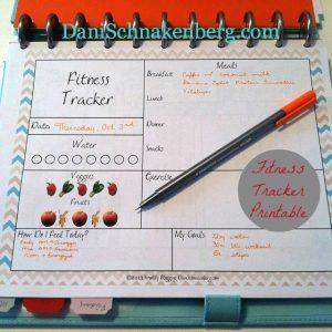 31 Days of {functional} Printables: Fitness & Nutrition Tracker | DaniSchnakenberg.com