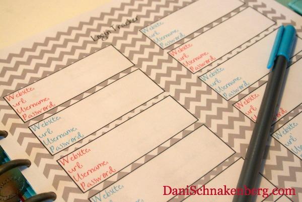 31 Days of {functional} Printables - Password Keeper   DaniSchnakenberg.com