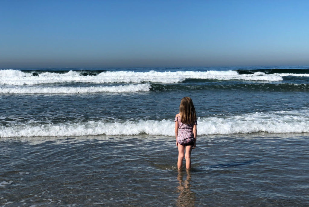 child at the ocean